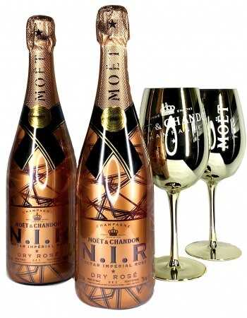 "Moët & Chandon Package ""Light"" 2 Gold Glasses + 2 N.I.R - 2 x 75 CL CHF198,00 Home"
