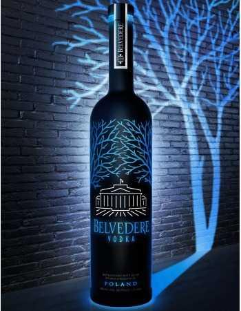 "Vodka Belvedere MAGNUM ""LED"" PURE MIDNIGHT SABER - 40% - 175 CL CHF189,00 Vodka Belvedere"