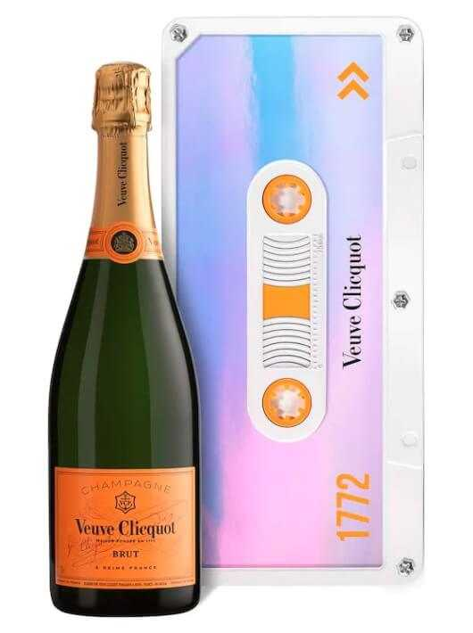 Veuve Clicquot Dazzling Blue Retro Chic Tape Limited Edition - 75 CL CHF 59,00  Veuve Clicquot