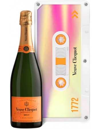 Veuve Clicquot Purple Retro Chic Tape Limited Edition - 75 CL CHF 59,00  Veuve Clicquot