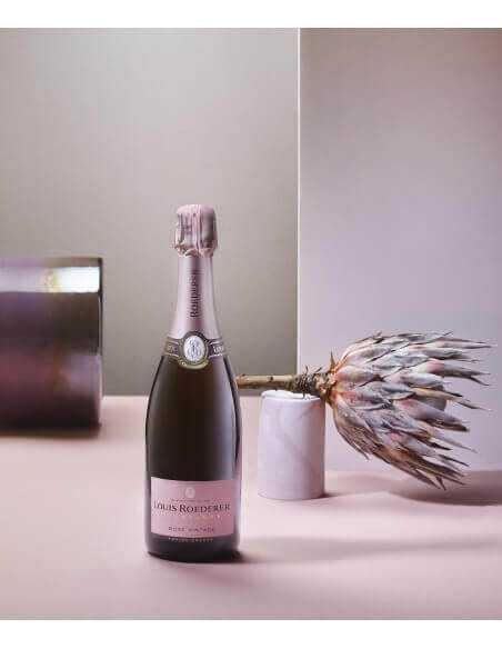 Louis Roederer Giftbox Vintage 2013 rosé - 75 CL + 2 glasses 28.5 cl CHF129,00 Louis Roederer