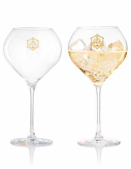 Veuve Clicquot Set Rich : 2 verres acryliques + 1 Rosé & 1 Brut - 75 CL CHF 159,00 product_reduction_percent Veuve Clicquot