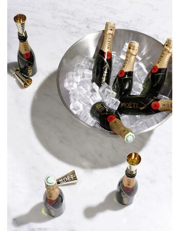 Moët & Chandon Giftbox 6 Mini Flûtes & 6 Mini Moët - 6 x 20 CL CHF129,00 Moët & Chandon