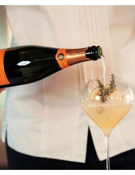"""Veuve Clicquot Package Cocktail """"Clicquot'Cino"""" By Edgard Bovier CHF160,80 Promotions"""